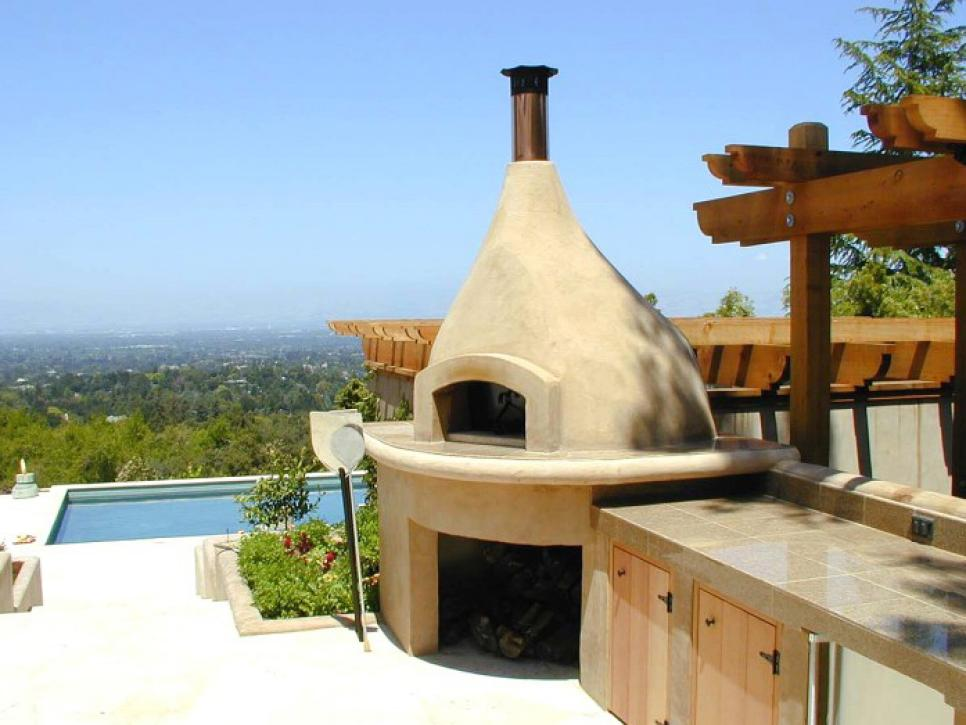 Sizzling_Cardinale-outdoor-oven-view-after-a_s4x3.jpg.rend_.hgtvcom.966.725